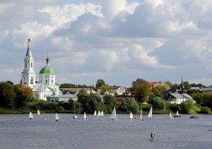 800px-On_the_Volga_river
