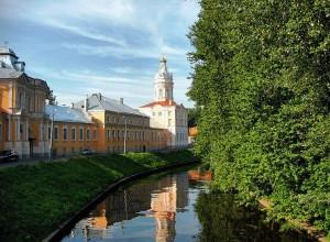 800px-Saint_Petersburg_Alexander_Nevsky_Lavra_IMG_6942_1280