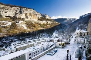 800px-Uspensky_Cave_Monastery_3