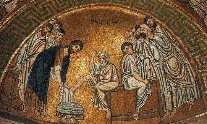 Омовение ног апостолам. Византийские мозаики начале XI века. Греция. Монастырь Осиос Лукас.