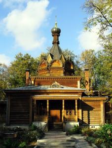 Church_of_Saint_Tikhon_of_Zadonsk_in_Sokolniki_05