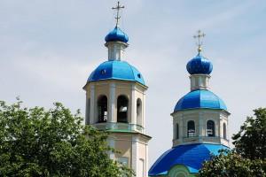 Купола_Петропавловской_церкви_в_Ясенево.