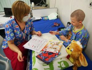 Дело дня. Волонтёры-учителя в больницу.