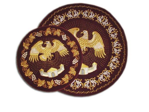 Орлец или почему епископ стоит на коврике с изображением орла?