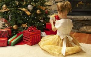 Новогодние подарки для детей-сирот
