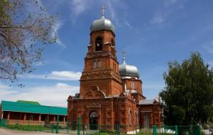 Богоявленский храм (село Куру́моч)