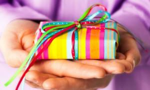 """Новогодние подарки для фонда """"Счастливый мир"""""""