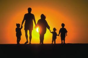 Помощь многодетным и неполным семьям