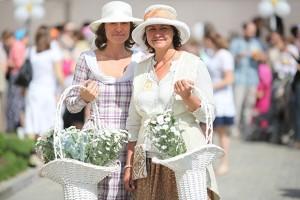 """Поделки на благотворительный праздник """"Белый цветок"""""""