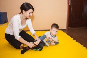 Двигательная терапия для малыша Валеры