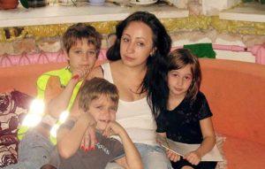 Безопасный дом для Анастасии и троих детей