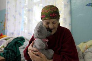 Новогодние подарки для бабушек и дедушек