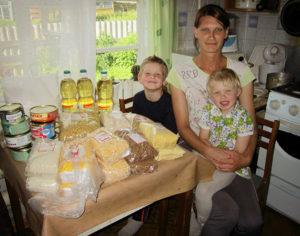 Продуктовые наборы в помощь многодетным семьям