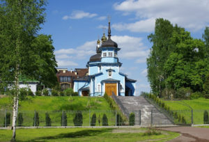 Храм святого великомученика Дмитрия Солунского в Коломягах