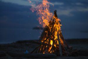 """""""Сжигание"""" Иуды и другие традиции Пасхи в Греции"""