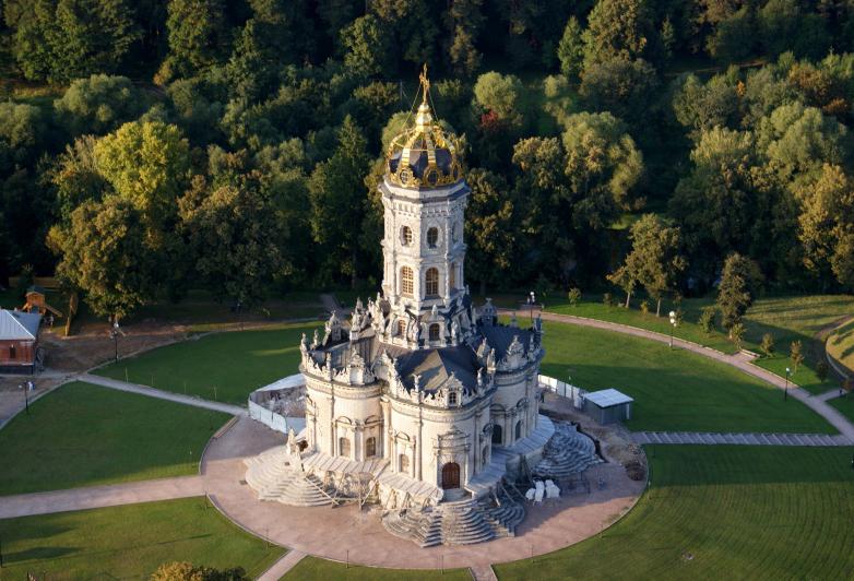 Знаменский храм в поселке Дубровицы