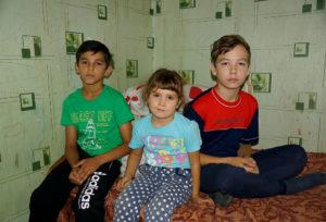Помощь погорельцам — большой семье Николая и Анжелы