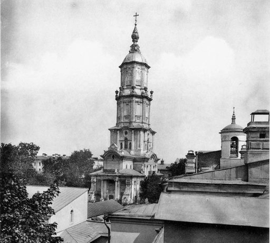 Почтамтская церковь. Меншикова башня