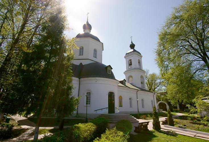 Никольский храм в селе Покровское
