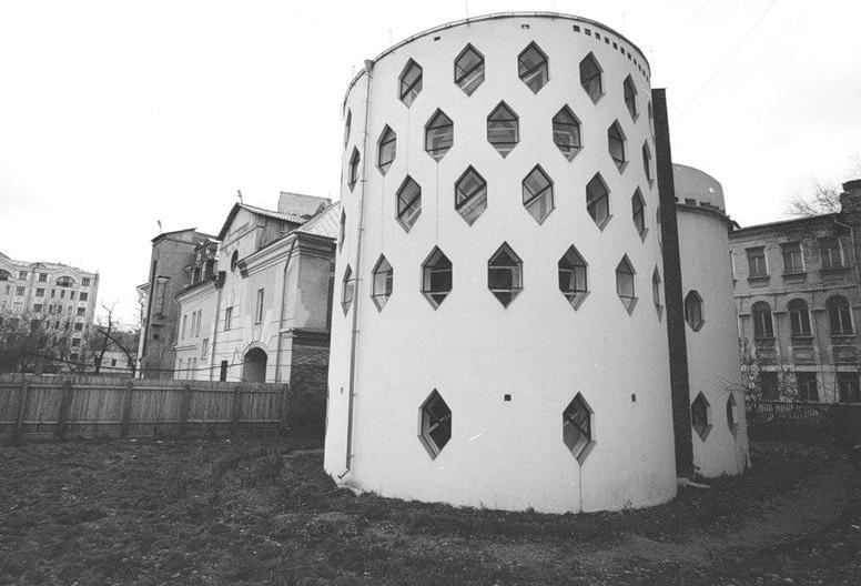 Дом К. Мельникова в Кривоарбатском
