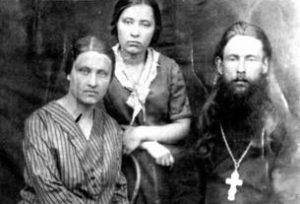 Священник Сергий Самуилов и его сын Константин