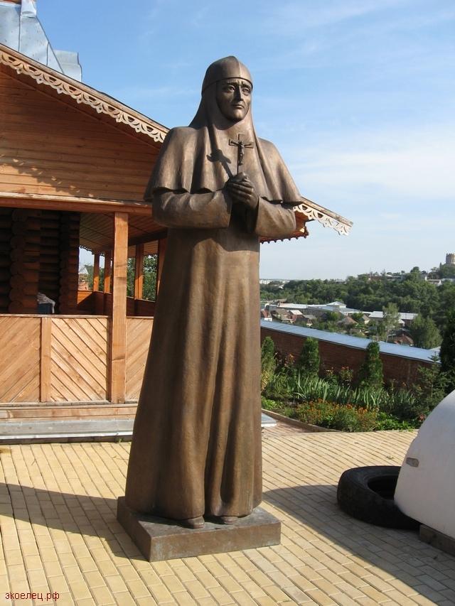 Памятник преподобной Мелании