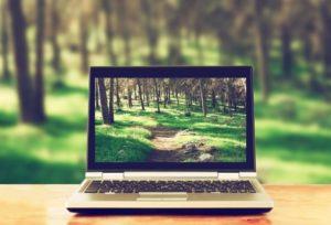 Ноутбук для фонда имени Виктории Рудневой