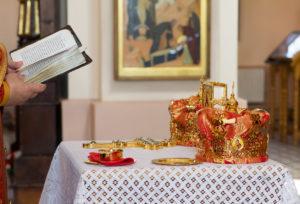Крестный ход во время таинства венчания