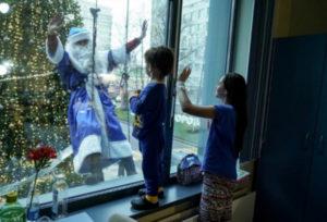 «Новый год вбольничных стенах». Светлый вечер сДмитрием Акимовым иВладиславом Хасиковым (12.12.2018)