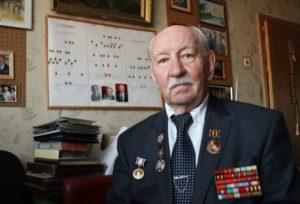 Издать книгу стихов ветерана Леонида Рогаля