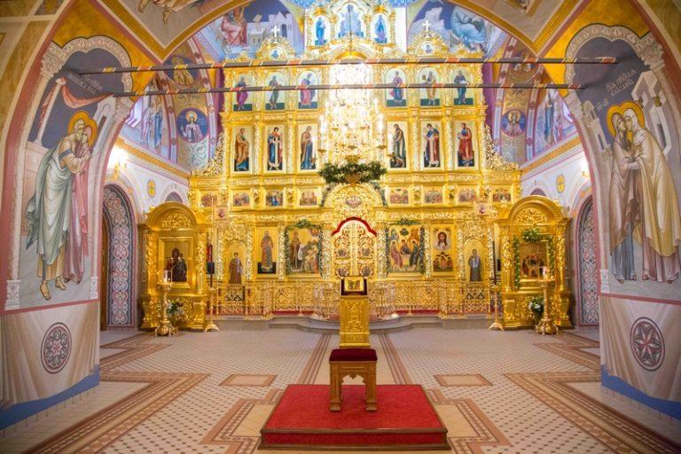зависимости картинки свято троицкого собора в саратове прыжках шестом